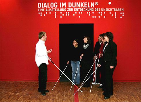 dialogdarkx-large